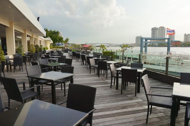 ทานอาหารวิวแม่น้ำเจ้าพระยา โรงแรมแม่น้ำรามาดาพลาซ่า
